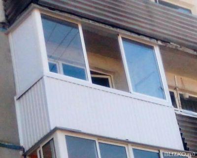 Окно на балкон остекление от компании гринлайн купить в горо.